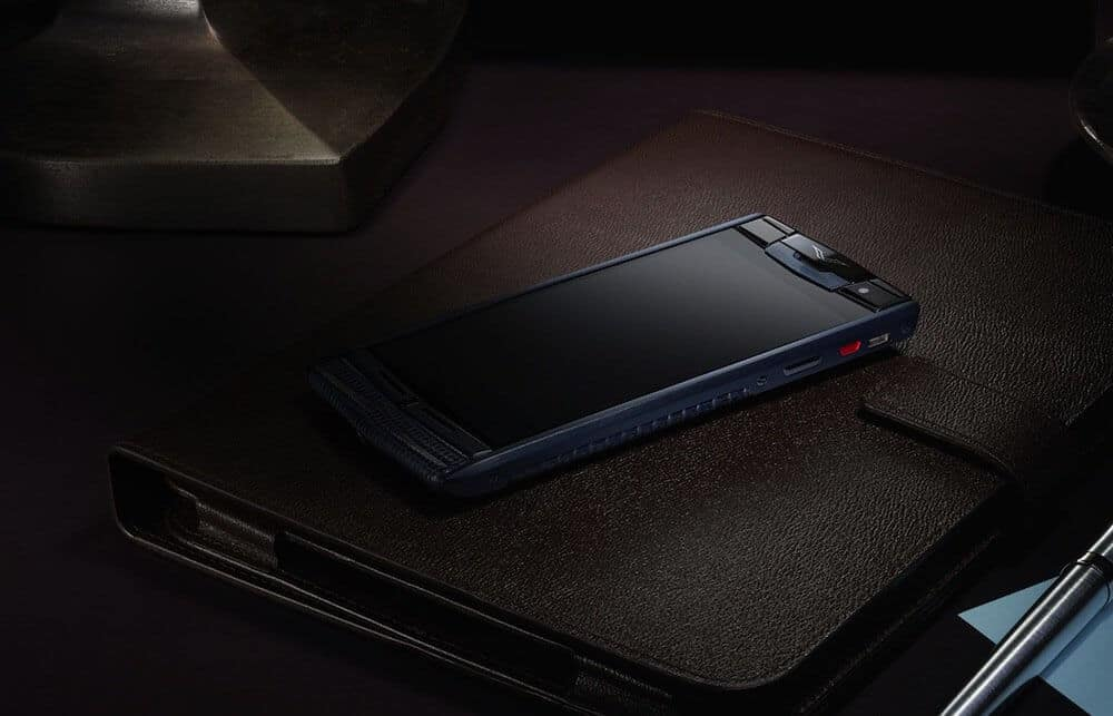 Vertu Signature Touch, mobile, phones, Priciest gadgets, gadgets, high-tech,  high-end, luxurious, expensive gadgets, gold plated
